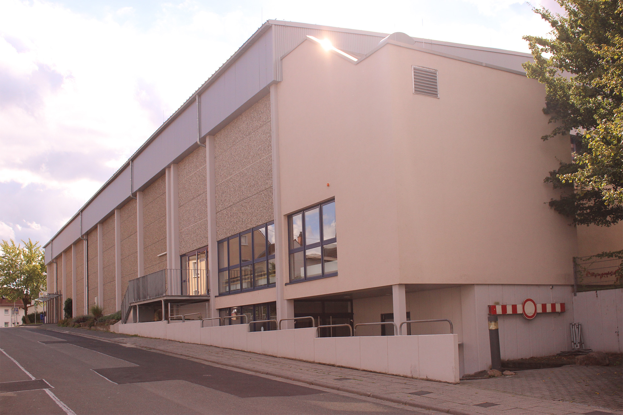 sporthalle small